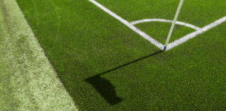 Kunstgras verdwijnt uit de Nederlandse voetbalstadions