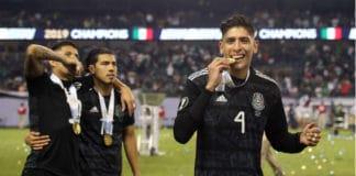 Joel Veltman transfer West Ham | Edson Alvarez nieuwe verdediger Ajax? | Getty