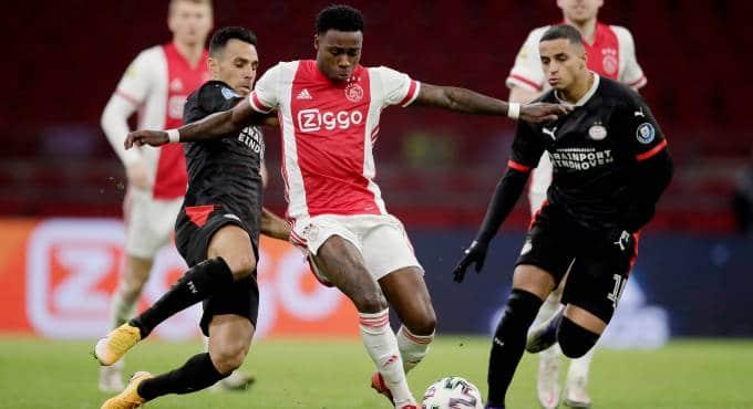 Eredivisie uitslagen: Ajax en PSV spelen gelijk, Feyenoord sluit aan